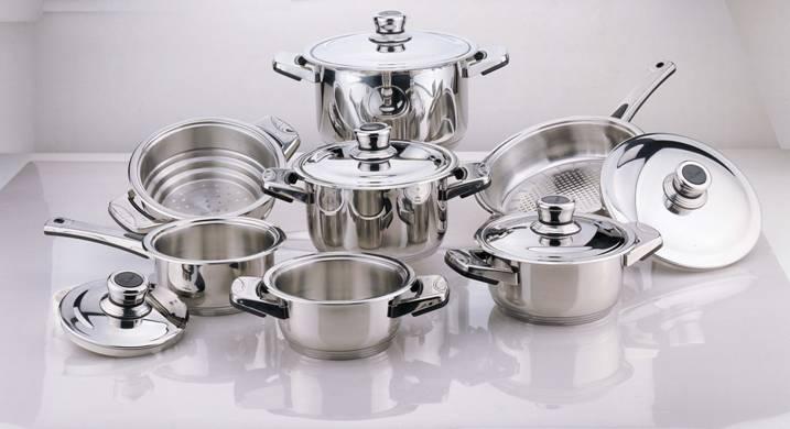 Tupperware Kitchen Utensils Set
